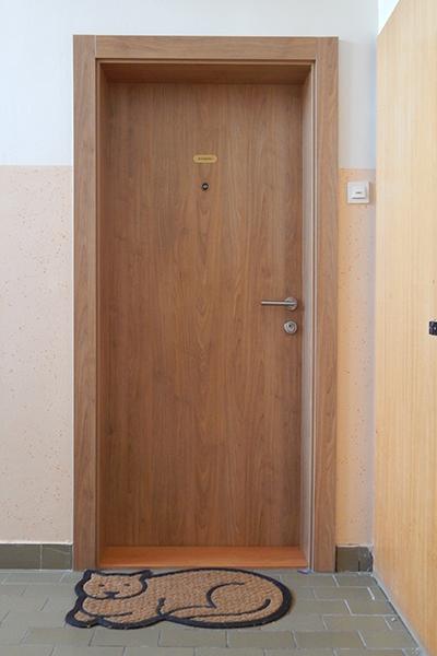 notranja vhodna lesena varnostna vrata vertigo